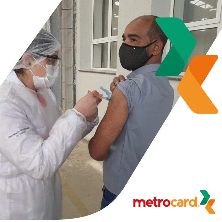 Colaboradores do transporte metropolitano estão sendo imunizados contra o coronavírus
